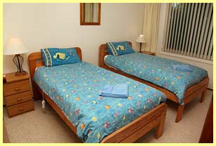 Eastern Sands Port Fairy twin bedroom